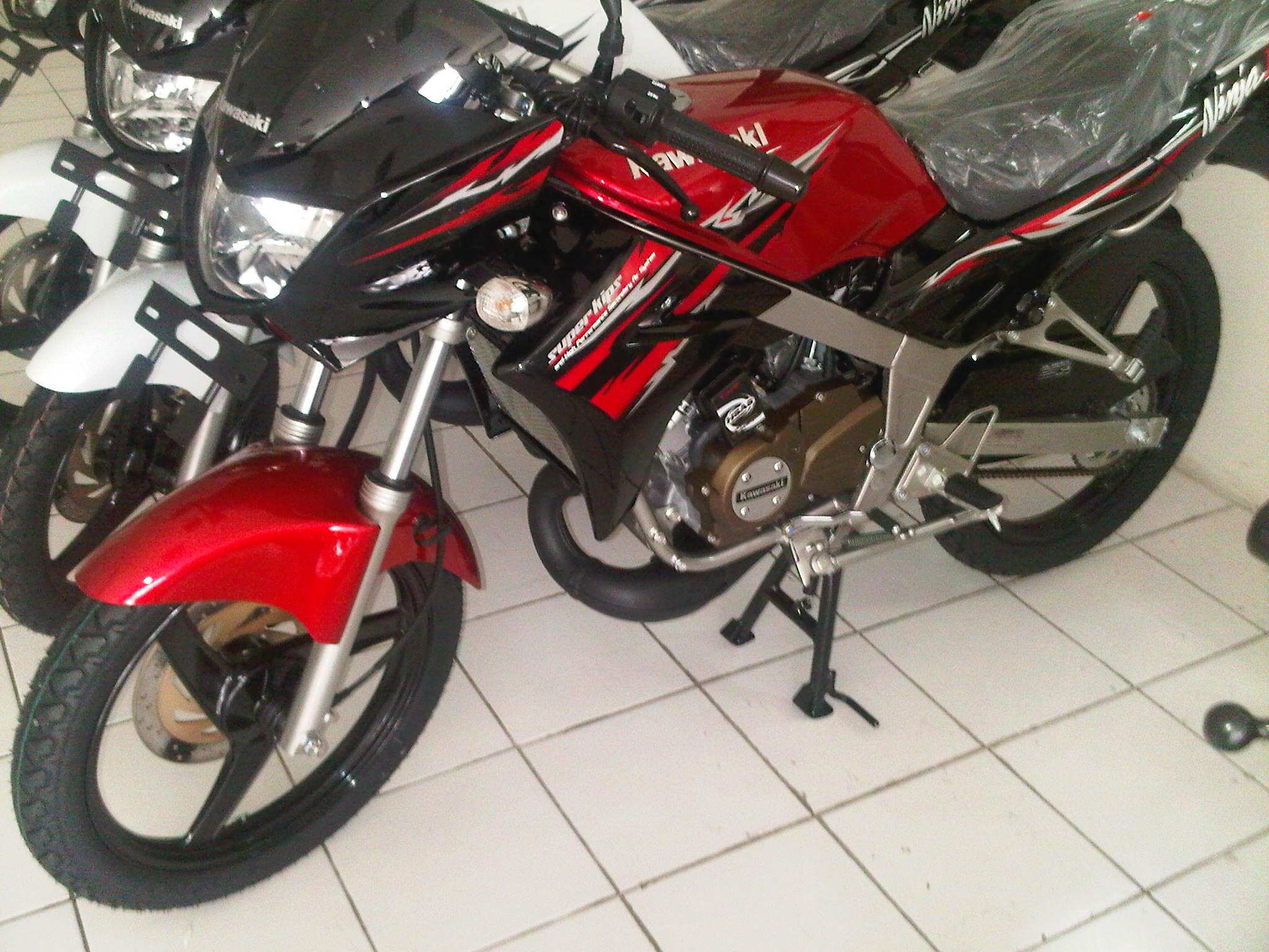 foto kawasaki ninja 150 l merah (red)   ivancad